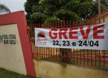 Silval tentará encerrar greve dos professores na segunda