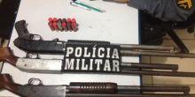PM apreende 2 menores com caminhonete roubada e encontram armamento