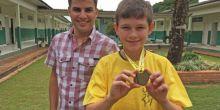 Aluno de escola municipal de Campo Novo do Parecis recebe medalha de ouro na Olimpíada de Matemática