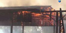 Barracão abandonado é destruído pelo fogo em Campo Novo do Parecis